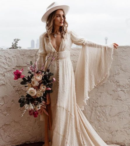 vestido-de-noiva-off-white-com-manga-boca-de-sino (4)