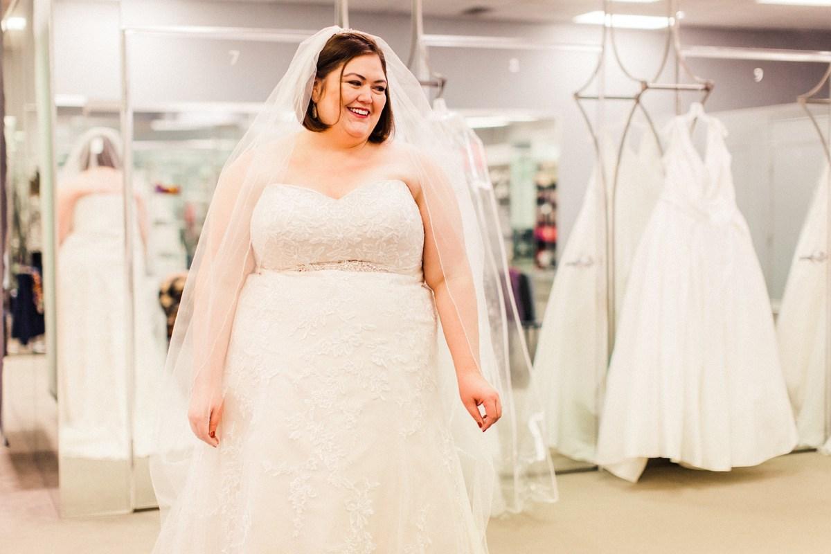 vestido de noiva plus size tomara que caia