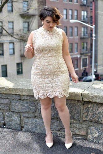 vestido-plus-size-para-casamento-civil-dourado