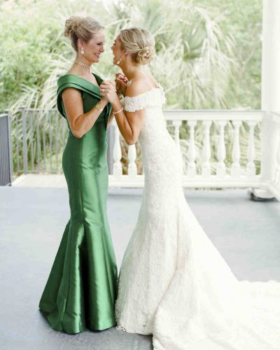 mother-daughter-moments-gayle-brooker-01-0517_vert