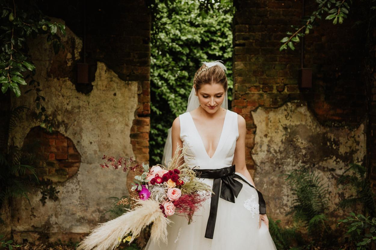 buquê de noiva com capim dos pampas