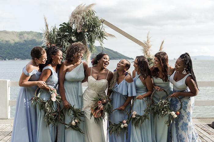 Mini wedding boho tropical aconchegante em Mangaratiba – Gabriela & Leandro