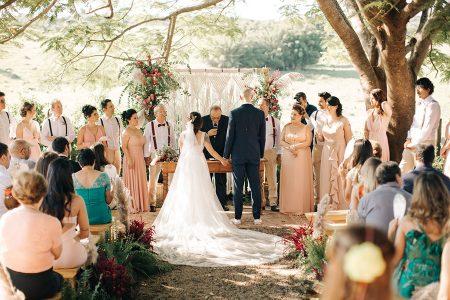 Casamento ao ar livre cheinho de DIY fofo na fazenda – Dea & Gu