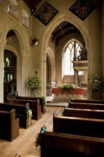 decoração-casamento-igreja-minimalista