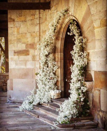 decoração-paorta-igreja-casamento