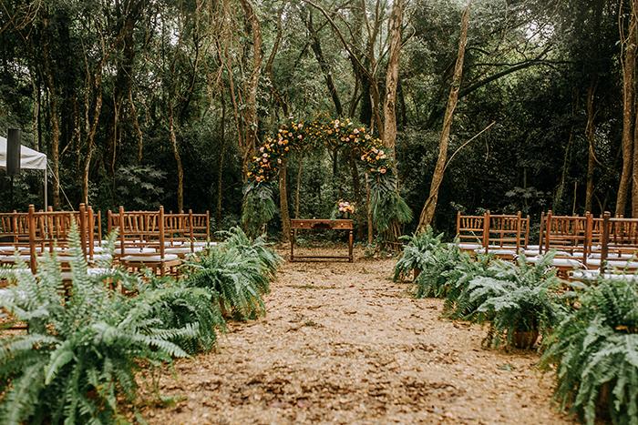 Um doce e alegre mini wedding na Villa Mandacarú – Carol & Yuri