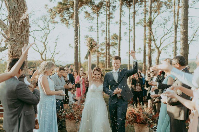 Destination wedding rústico e cheio de charme rodeado de muito verde – Carol & Tiago