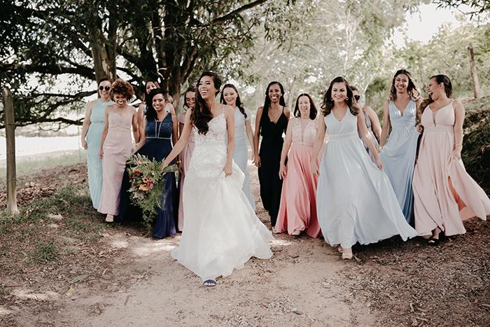Mini wedding leve e rústico numa manhã ensolarada em Minas Gerais – Rayane & Igor