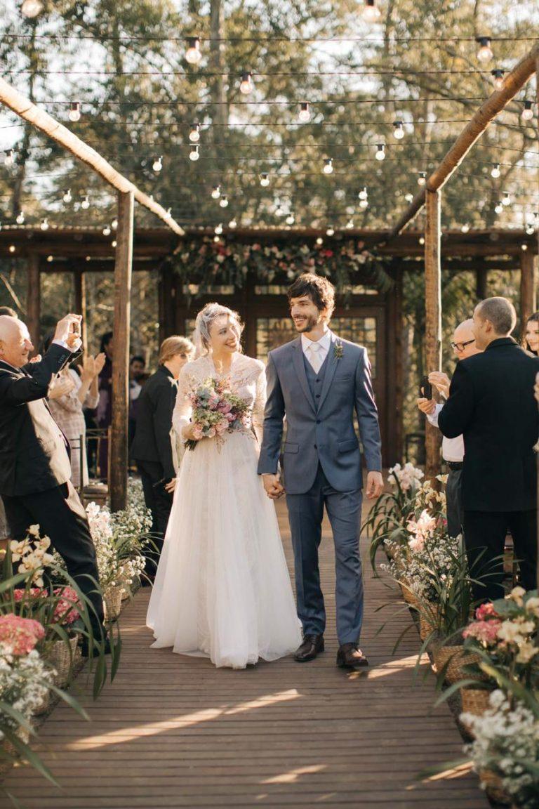 Casamento leve, alegre e romântico na Vila dos Eucaliptos – Karina & Marcelo