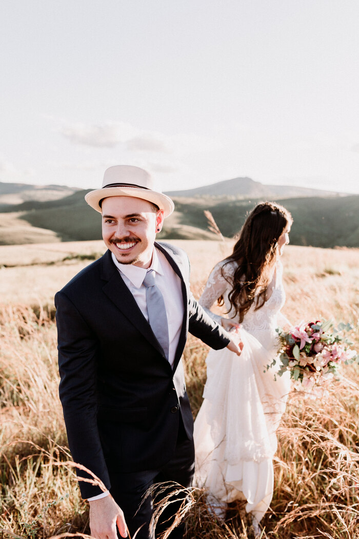 Ensaio pós wedding tranquilo e cheio de amor no final da tarde em Minas Gerais – Yasmin & Pedro