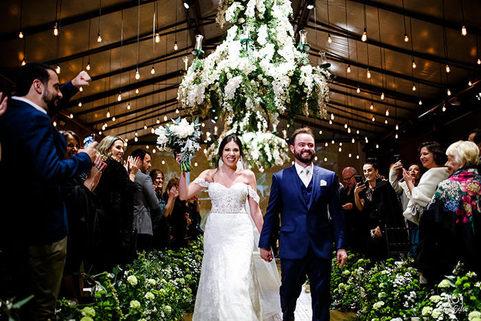 Casamento clássico com vibe romântica na Casa Traffô- Larissa & Thiago