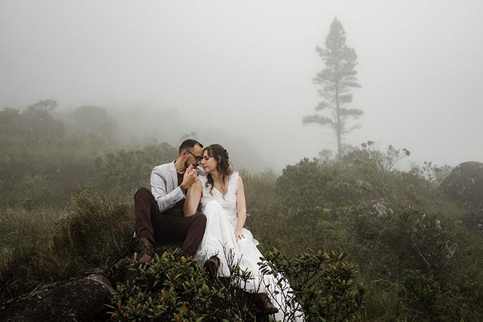 Renovação de votos numa montanha com (muita) neblina e amor em Curitiba- Renata & Rodrigo