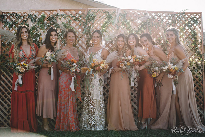 Home wedding boho informal numa tarde ensolarada em Fountain Valley, na California – Rhaíssa & Blake