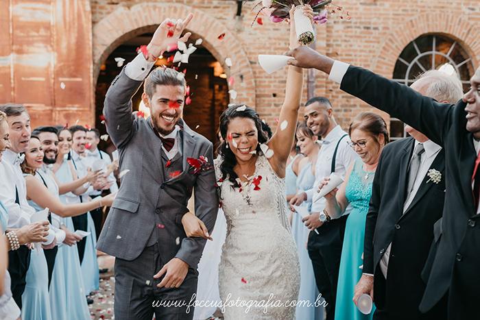 8 horas de festa animada em casamento rústico descontraído de Limeira – Laís & Danilo
