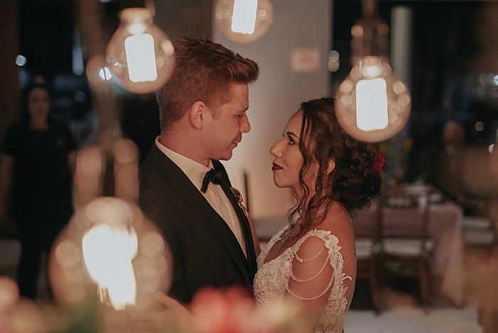 Destination wedding rústico com uma vibe de outono em São José dos Campos – Tuani & Matthias