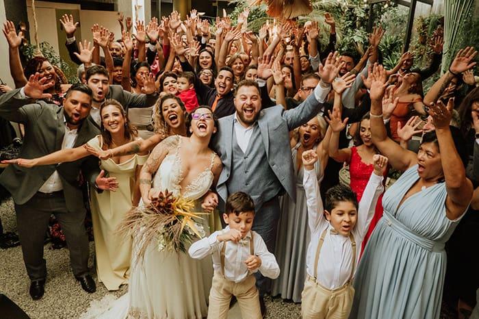 Mini wedding descontraído e cheio de alegria na Casinha Le Julie – Ellen & Nilson