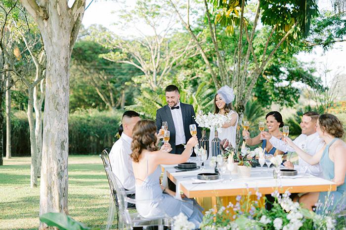 {Editorial AMIGOS} Uma homenagem aos melhores amigos dos noivos: as madrinhas e padrinhos