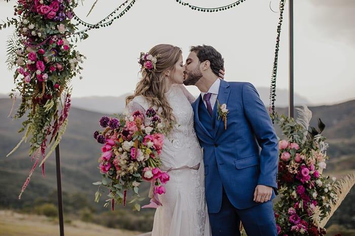 Destination wedding gypsy e vintage em tarde dourada de Ouro preto – Ana Flavia & Luis Henrique