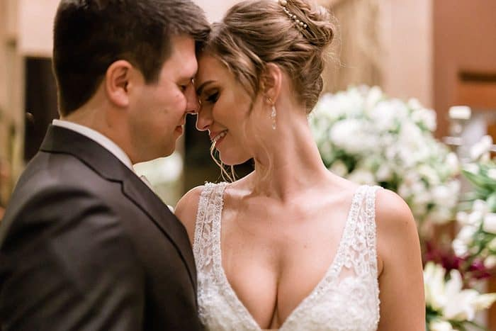 Noite mágica para dizer SIM em casamento clássico rústico na Casa Traffô – Carolina & Gabriel