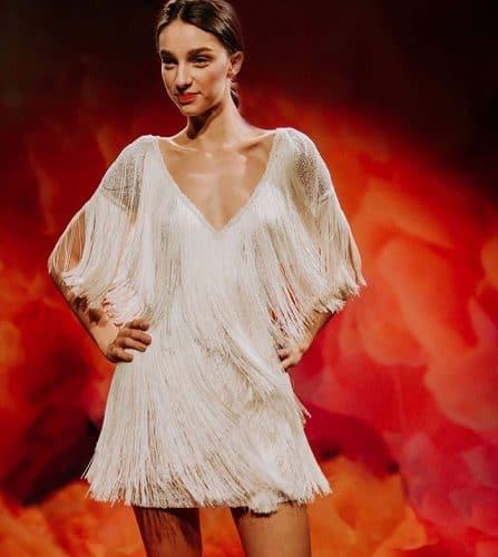 vestido-de-noiva-2020-franjas-naeemkhanbride