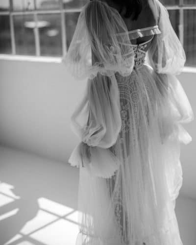 vestido-de-noiva-2020-mangas-volumosas-friedatheres