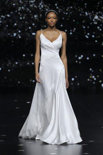 vestidos-de-noiva2020-cetim-firabridal