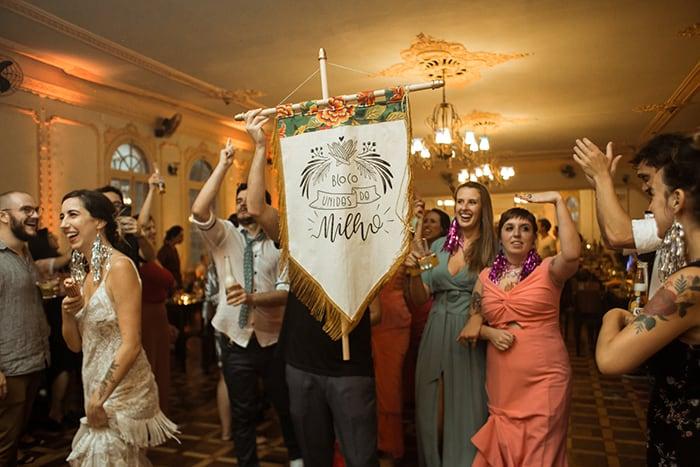 Casamento temático para celebrar o amor e o Carnaval – Viviane & Thiago