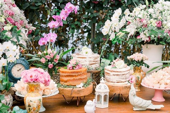 Casamento clássico cheio de cor, vida e romantismo em tarde alegre ao ar livre – Amanda & Douglas