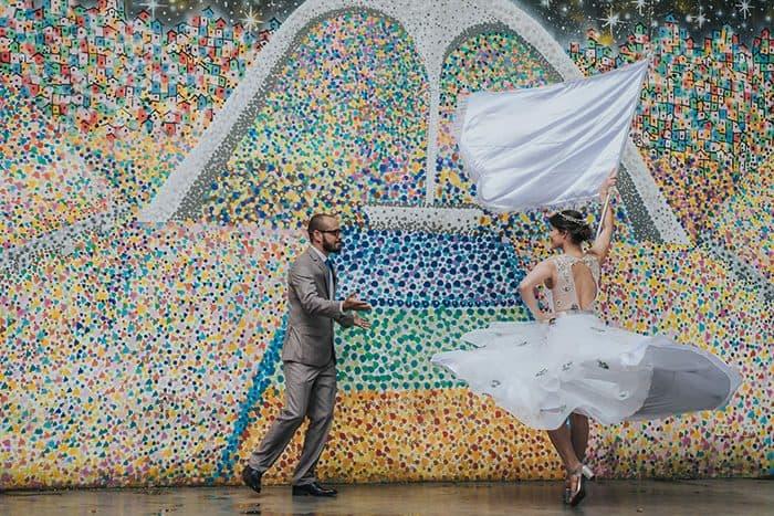 {Editorial Quem disse que o carnaval não traz amor e dá em casamento?} O colorido e o brilho do carnaval no Rio de Janeiro