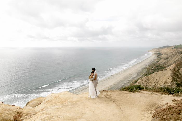 Romântico elopement com cerimônia ao ar livre em San Diego – Beatriz & Gabriel