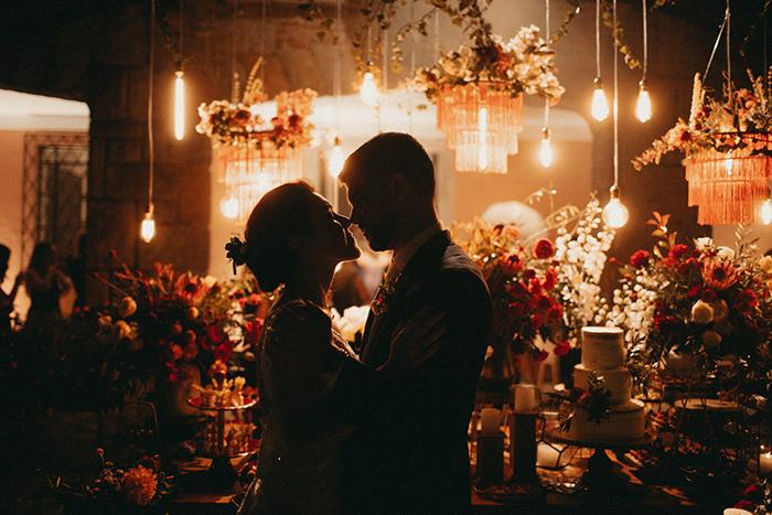 Casamento espanhol e brasileiro com vibe boho no final da tarde do Rio de Janeiro – Angie & Caetano