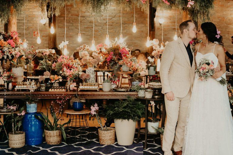 Destination wedding boho romântico numa tarde alegre em Mogi das Cruzes – Luciana & Erik