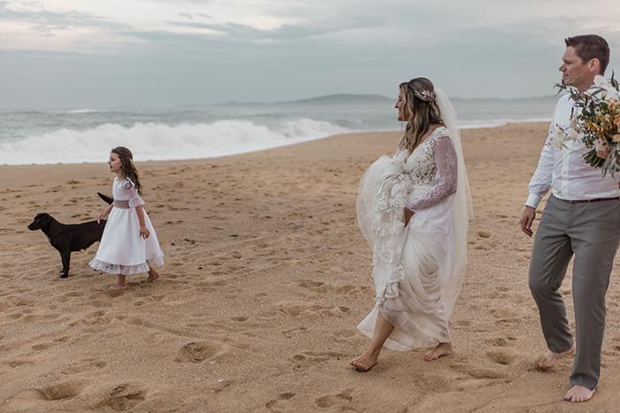 Elopement Wedding boho chic em final da tarde abençoado no Balneário Camboriú – Graciele & Lieven