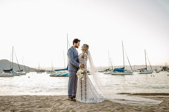 Casamento jovem estilo náutico numa tarde romântica em Ilhabela – Flávia & Heitor