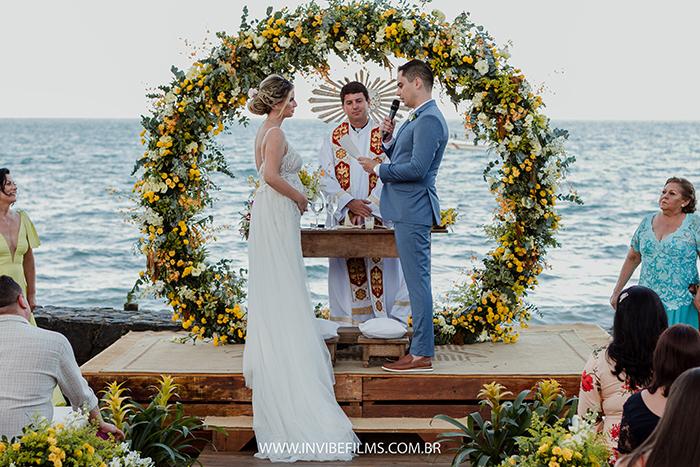 Casamento rústico e despojado ao ar livre no Viela da Praia – Desiree & Samuka
