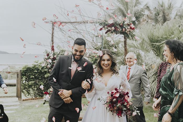 Charmoso elopement wedding em frente ao mar de Santa Catarina – Mariana & Leonid