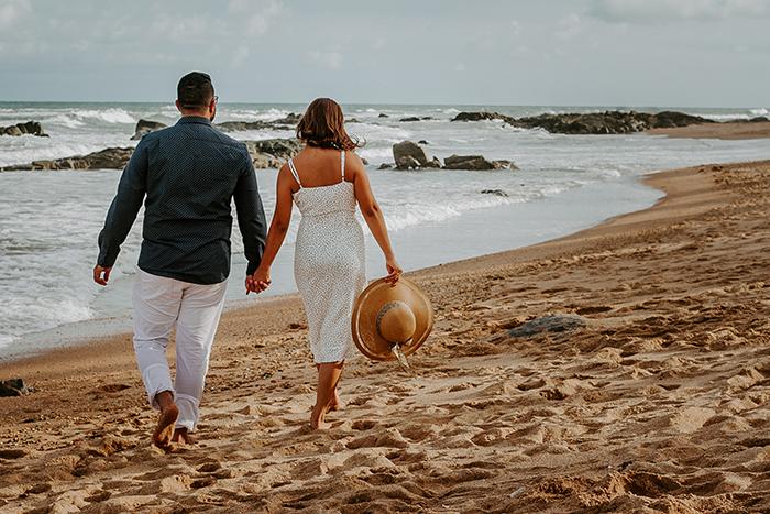 Ensaio pre wedding cheio de paz, serenidade e amor na praia de Busca Vida- Franciele & Lucas