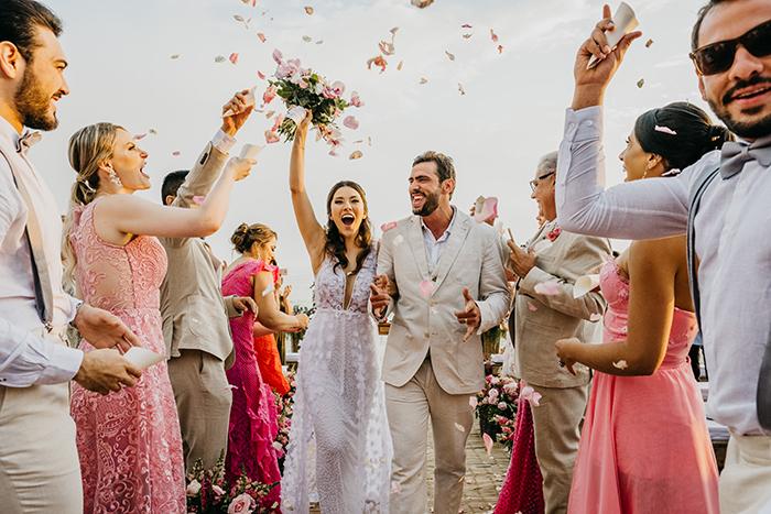 Destination wedding pé na areia cheio de emoções e muito amor em São Sebastião – Bianca & Gabriel