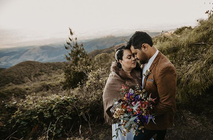 Bodas de papel cheia de amor no Pico de Itapeva em Campos do Jordão – Priscila & Wilson