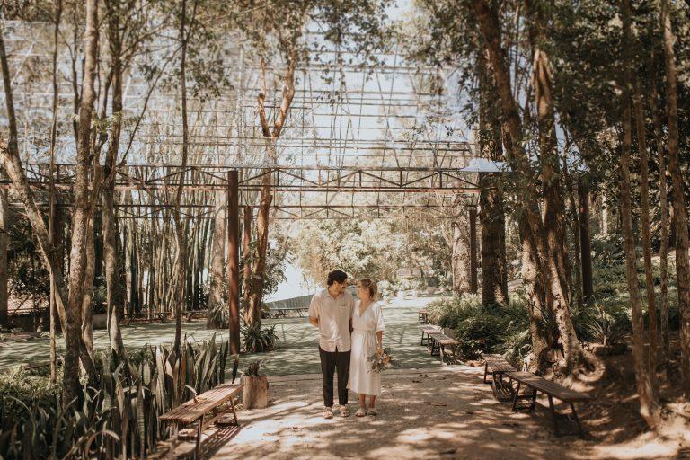 Casamento civil intimista e aconchegante em dia ensolarado na Casa Giardino – Livia & Neto