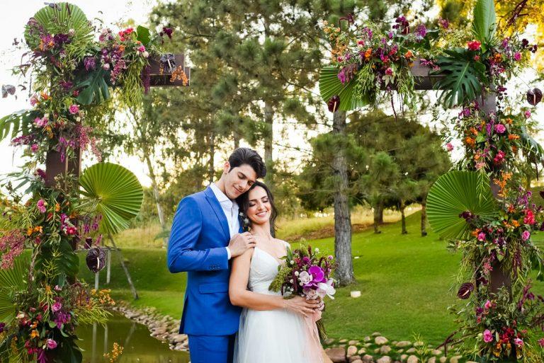 Micro wedding ao ar livre integrado à natureza numa tarde gostosa em Brasília – Paula & Erick