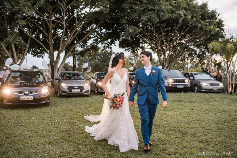 Mini wedding drive in romântico ao pôr do sol no Espirito Santo – Sallie & Matheus