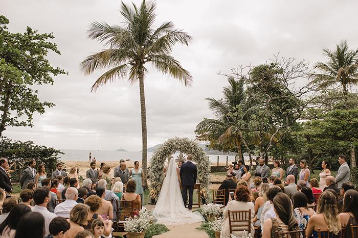 Casamento rústico para celebrar o amor em São Sebastião – Camila & Rodrigo