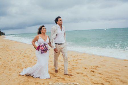 Renovação de votos pé na areia bem tropical em Trancoso – Jéssica & André