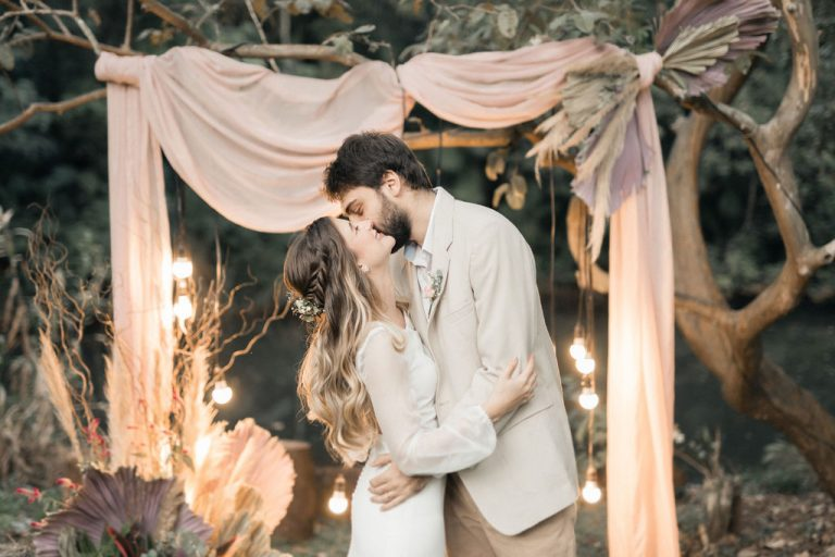 {Editorial O sonho não acabou} Elopement romântico e minimalista da Thai & João