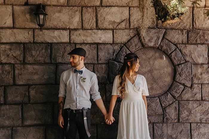 Micro wedding rústico e romântico numa floresta ensolarada no Paraná – Angie & Marcos