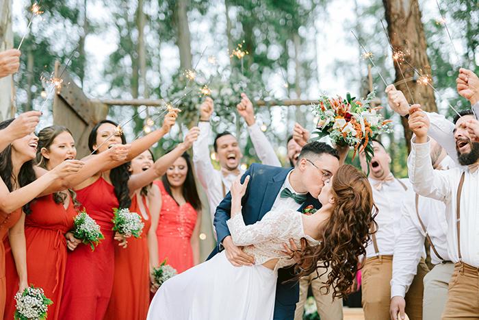 Casamento rústico e singelo com cerimônia ao ar livre na Fazenda Floresta – Carolina & Juliano