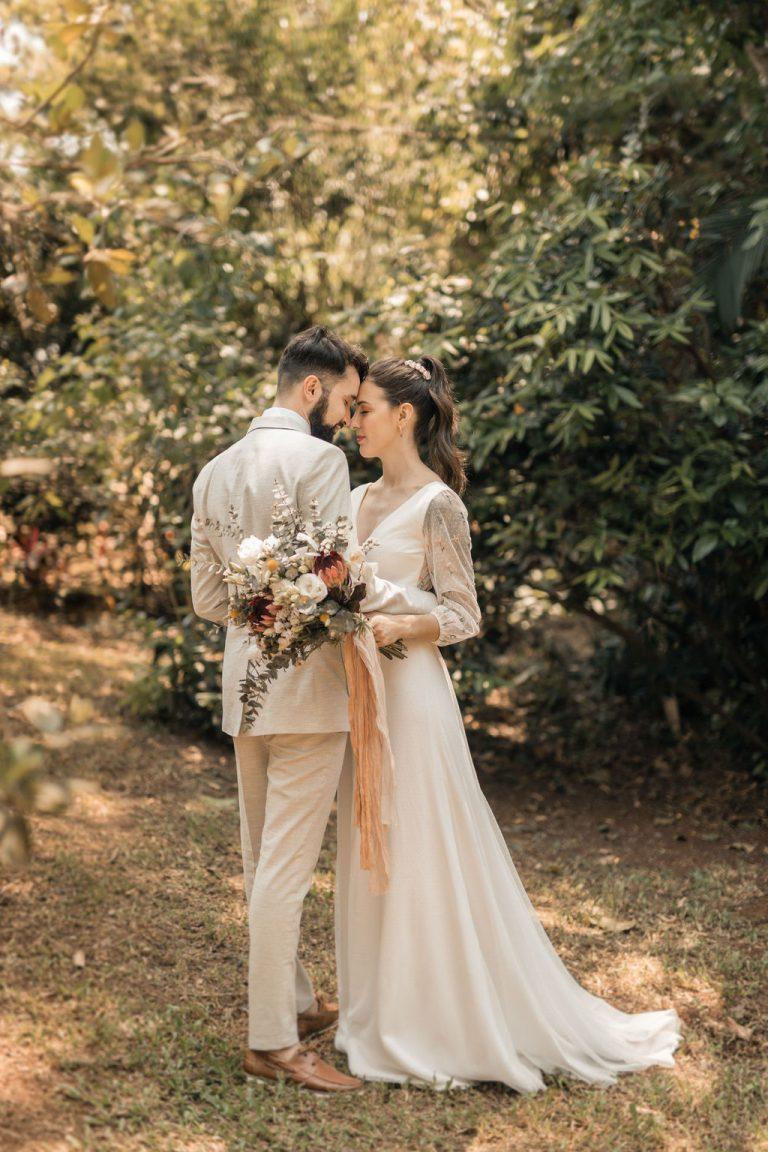 Doce micro wedding intimista em manhã leve e ensolarada no Paraná – Vanessa & Lucas