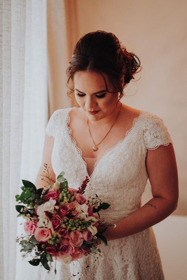 Atelier Luit conta como é processo de criação de um vestido de noiva à distância