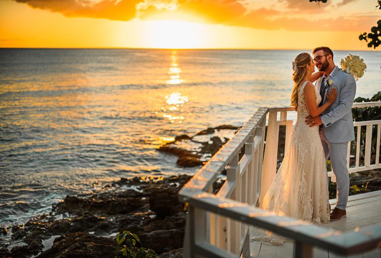 Destination wedding em cenário paradisíaco ao pôr do sol em Punta Cana- Camilla & João